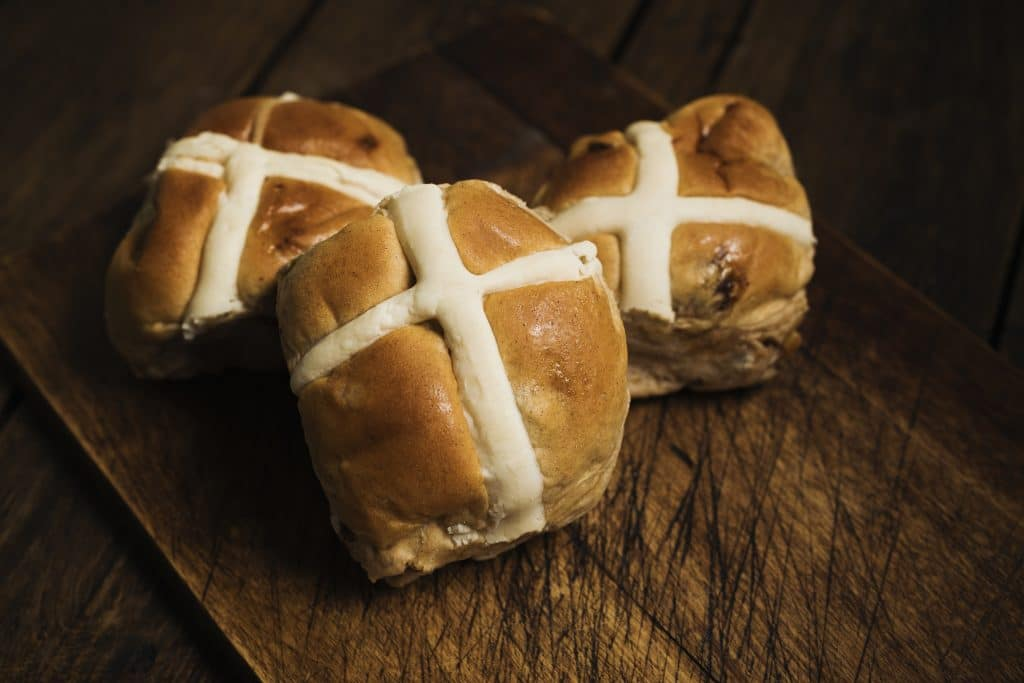 Dessert Advisor Hot Cross Buns for Easter