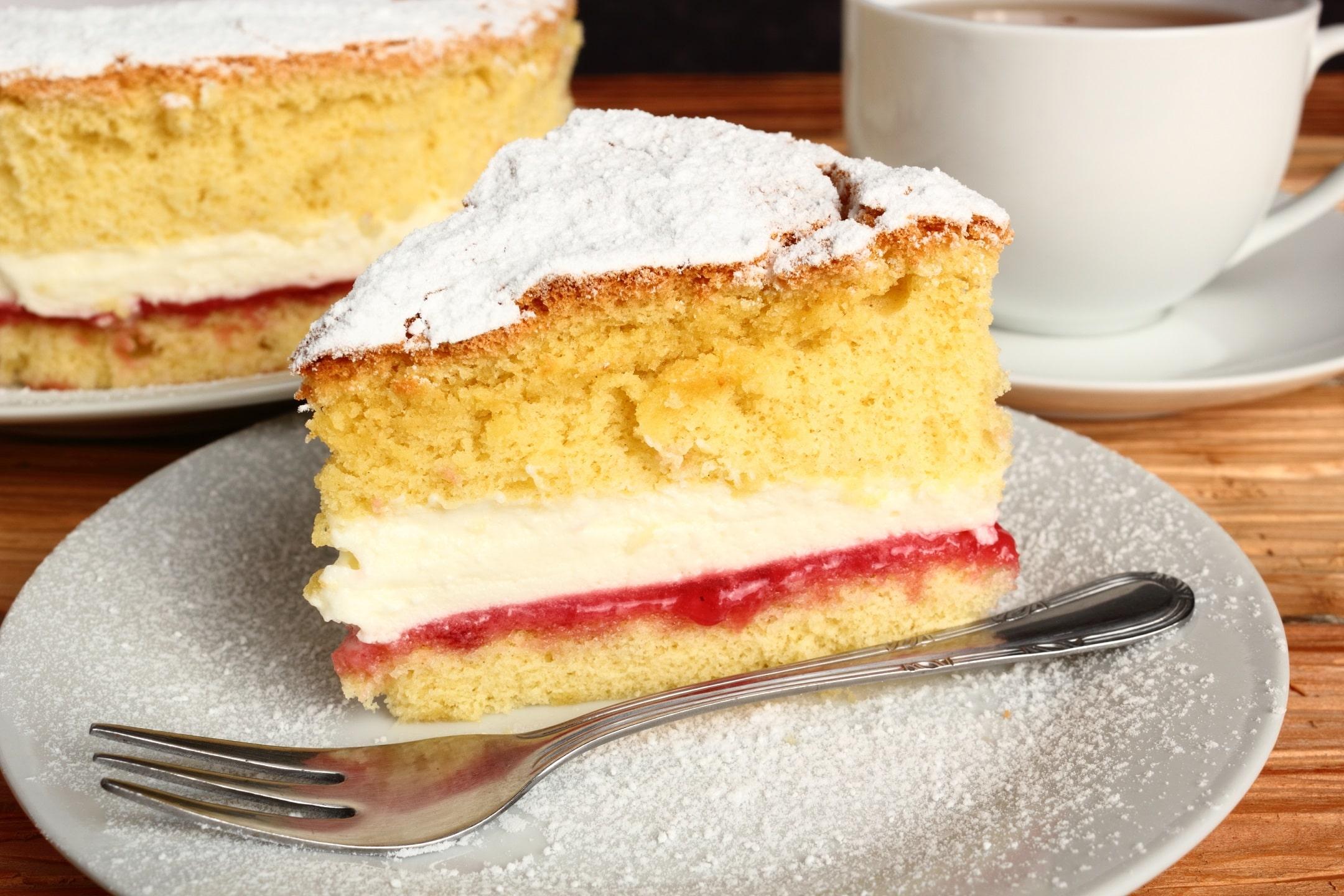 Un gâteau éponge et un thé d'après-midi avec la reine Victoria