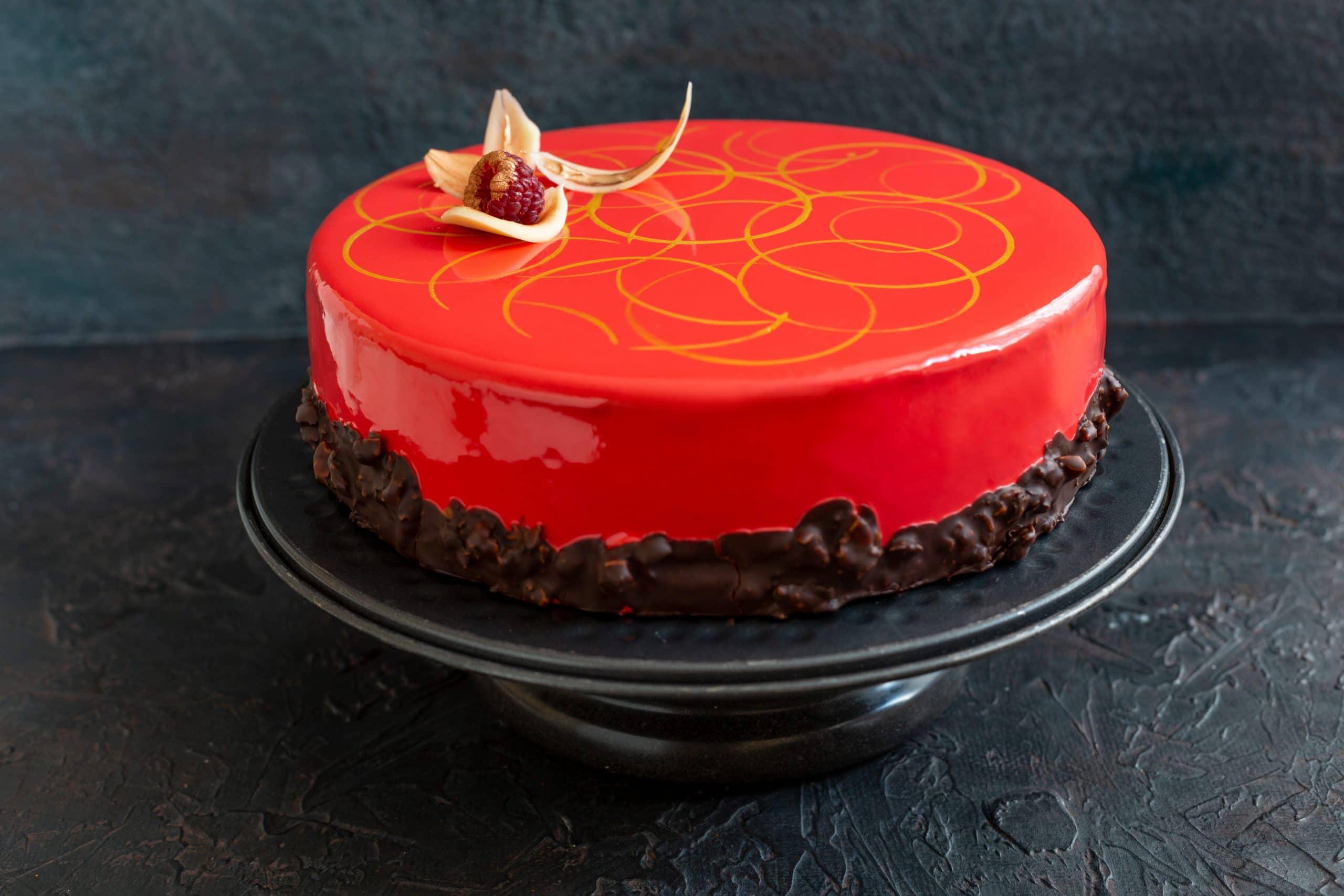 Mirror Glaze Cake Blog Image. Image du blog gâteau miroir.
